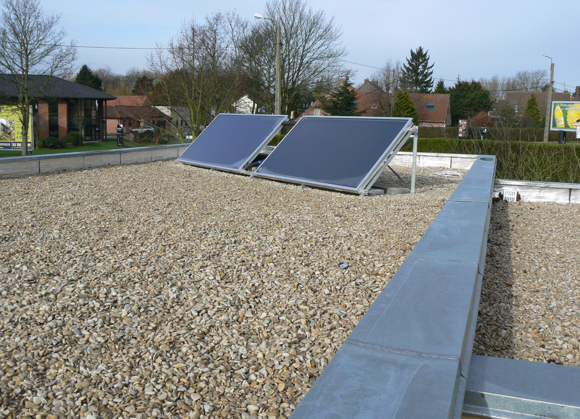 Panneaux solaires thermiques sur toiture