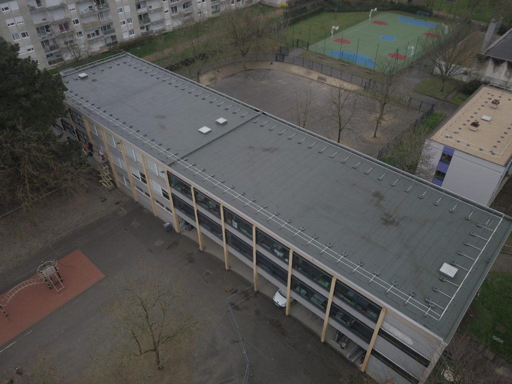 Ecole Prévert bâtiment panneaux solaires